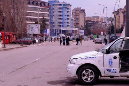 ŠOK BOMBE I SUZAVAC U SJEVERNOJ MITROVICI Kosovska policija upala u apoteku