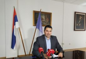 VRIJEDNOST PROGRAMA 700.000 KM Potpisani ugovori o zapošljavanju 110 osoba
