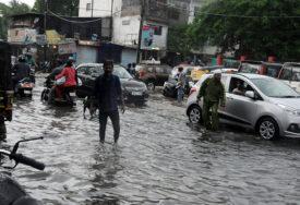 DRAMA U INDIJI Monsun odnio 73 života