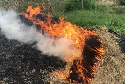 VANDALIZAM U TESLIĆU Namjerno zapalili sijeno na njivi