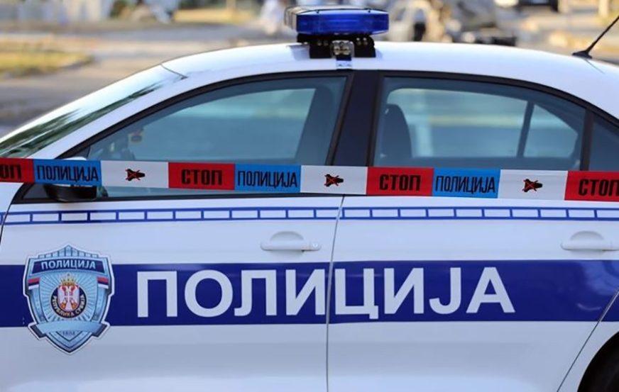TUKLI I IZBOLI NOŽEM VRŠNJAKA Uhapšena dvojica mladića zbog napada u školskom dvorištu