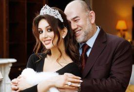 ZBOG NJE JE ABDICIRAO Kontroverzni brak ruske ljepotice i malezijskog kralja opet u CENTRU PAŽNJE
