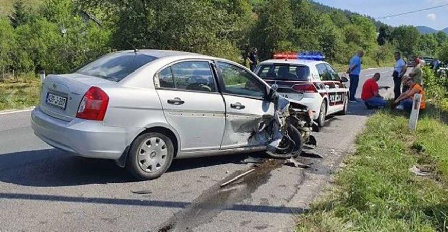 SUDAR ČETIRI AUTOMOBILA Dvije osobe povrijeđene u nesreći kod Sarajeva