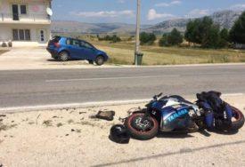 """Motorista TEŽE POVRIJEĐEN u udesu kada je naletio na """"golfa"""""""