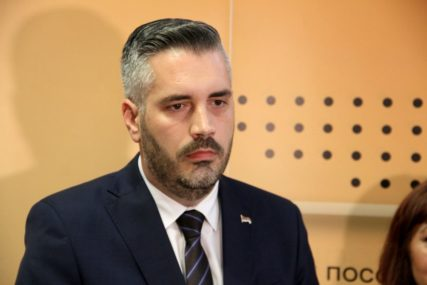 """RAJČEVIĆ ŽESTOKO ODGOVORIO STANIVUKOVIĆU """"Ocvali omladinac sebi dao za pravo da komentariše projekat 'e-Beba'"""""""