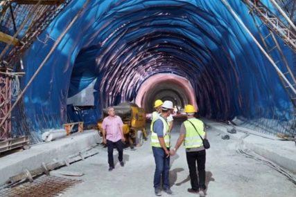 """OSVANULA """"ŽABA"""" Probijen kilometar dug tunel na putu Neum-Stolac"""
