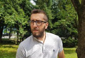 NALOGODAVCI I MOTIV I DALJE NEPOZNATI Godišnjica od napada na novinara Vladimira Kovačevića