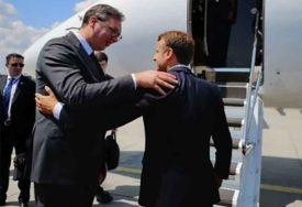 SASTANAK LIDERA Vučić oči u oči s Makronom u Parizu