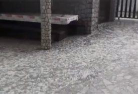 NEVRIJEME U HRVATSKOJ Poplavljene ulice na Jadranu, crni oblaci iznad Zagreba (VIDEO)