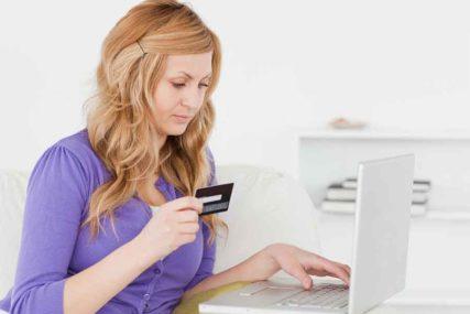 REKORDNA POTROŠNJA Na Crni petak Amerikanci iskeširali 7,4 milijardi dolara onlajn