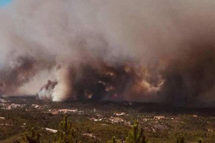 VATRENA STIHIJA U PORTUGALU Hiljadu vatrogasaca bori se sa požarom, stanovništvo u strahu (VIDEO)