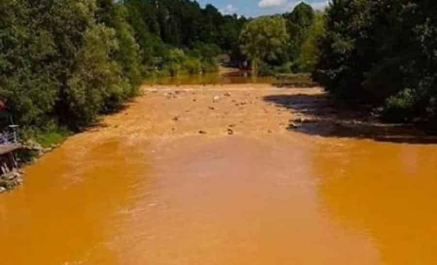 NEMA RAZLOGA ZA PANIKU Analize pokazale da su NEOBIČNU BOJU rijeke Ukrine izazvale obilne padavine
