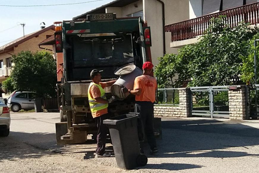 """PRIJEDORČANI U STRAHU ZA ZDRAVLJE Optužuju """"Komunalne usluge"""" da vodu iz smeća razlivaju po ulicama"""