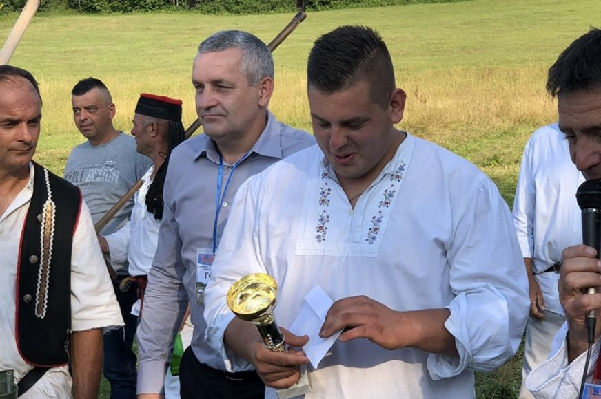 BRŽI OD KOSILICE Vuk iz Čačka najbolji kosac na Janjskom višeboju u Šipovu (VIDEO, FOTO)