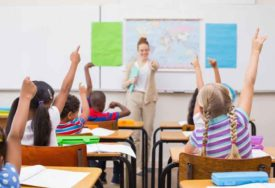 LIJEP GEST MALOG PARKERA Poklonio učiteljici novac, pa joj objasnio zašto (FOTO)