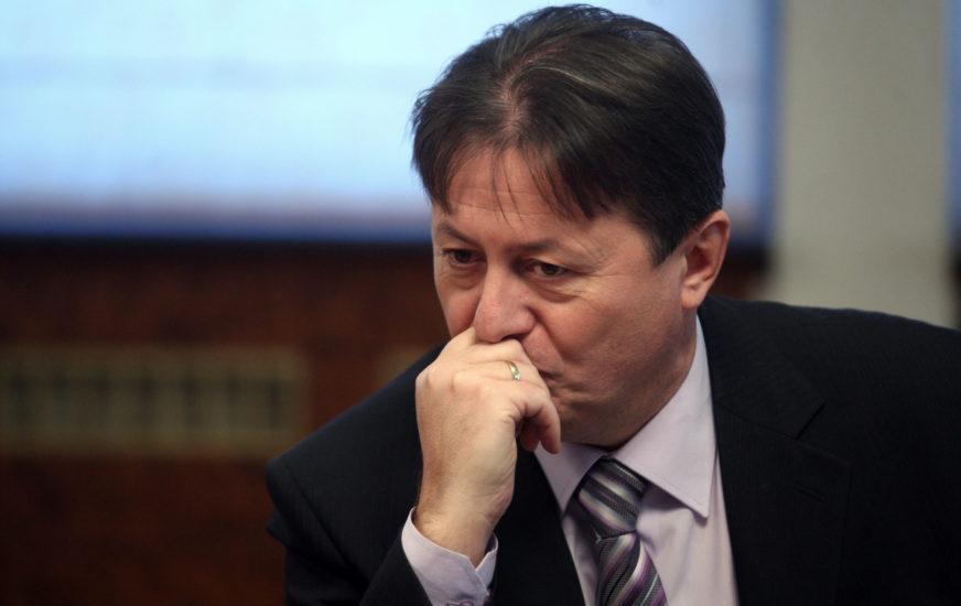 NIJE SE IZBORIO SA KORONOM Preminuo profesor Ekonomskog fakulteta Duško Šnjegota