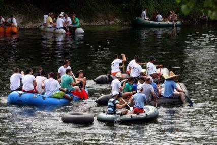 INICIJATIVA ZA ČIST VRBAS Ekološka regata u kanjonu Tijesno