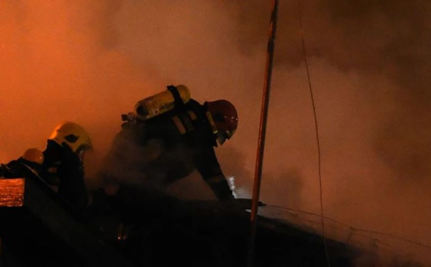 GRČKA PONOVO GORI Požar je krenuo kada se zapalila osušena trava nedaleko od Atine