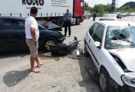 TEŠKA SAOBRAĆAJNA NESREĆA Dječak udario glavom u šoferšajbu