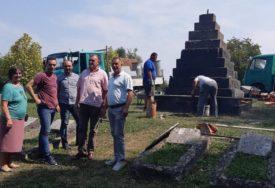 NJEGUJU TEKOVINE NOB Uređenjem spomenika odaju počast borcima protiv fašizma i ubijenim civilima