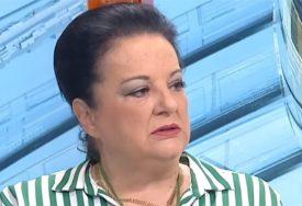 """""""JEDAN ZAPRIČAVA, DVOJICA OTVARAJU TAŠNU"""" Cenićeva opisala kako su joj opljačkali majku"""