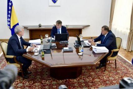 KORAK UNAZAD SVAKO BI TUMAČIO KAO PORAZ Da li je moguće riješiti trenutnu političku blokadu u BiH