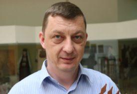 Vladimir Đukanović PRIPREMA MONOGRAFIJU: Domišljatost naroda očuvala CRKVE BRVNARE