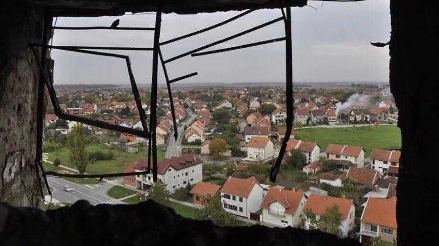 """ODATA POČAST STRADALIMA U VUKOVARU """"Sjećamo se svih nevinih žrtava, i Srba i Hrvata"""""""
