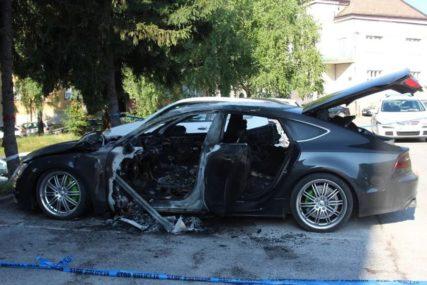 """PLATIO DA MU ZAPALE AUTO Mladić pokušao da naplati od osiguranja za štetu na skupocjenom """"audiju"""""""