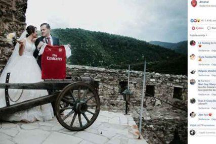 UBJEDLJIVO BJEŽI OSTALIM KONKURENTIMA Navijač Arsenala iz BiH fotografijom oduševio svijet