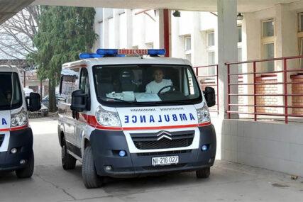 DRAMA NA KRAJU ČASA Učenik skočio kroz prozor škole, polomio obje noge