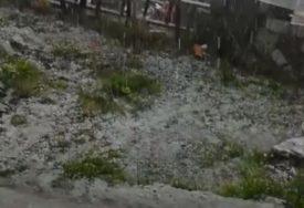 NEVRIJEME U HRVATSKOJ Padao grad veličine oraha, jak vjetar rušio stabla (FOTO)