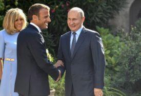 LIDERI SE RAZUMIJU Peskov: Putin je IMPRESIONIRAN Makronovom političkom voljom
