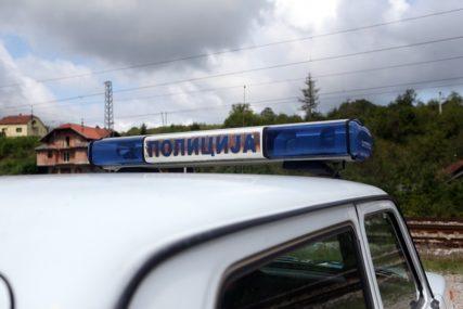 """TEŠKA SAOBRAĆAJKA """"Pasatom"""" udario pješaka, nesrećni muškarac prevezen u bolnicu"""