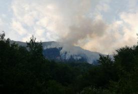 SVE GORI Veliki požar na nepristupačnom terenu kod Konjica