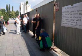 Radnici ogrčeni zbog UNIŠTAVANJA preduzeća, objavili i PROTESTNU SMRTOVNICU (FOTO)