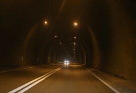 ZAPALIO SE KAMION Obustavljen saobraćaj kroz tunel Vranduk