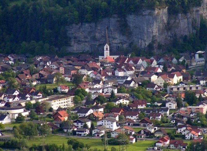 IDEJA STARA JEDAN VIJEK Švajcarci žele da PRIPOJE austrijsku pokrajinu?