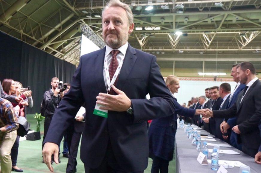 BAKIR UVIJEK PRIJETI ISTO, MI SE LJUTIMO PO POTREBI Zašto srpski političari tek sada reaguju na deklaraciju SDA