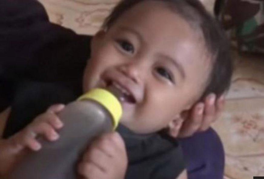 """""""NISMO IMALI NOVCA ZA MLIJEKO"""" Roditelji bebu hranili kafom (VIDEO)"""