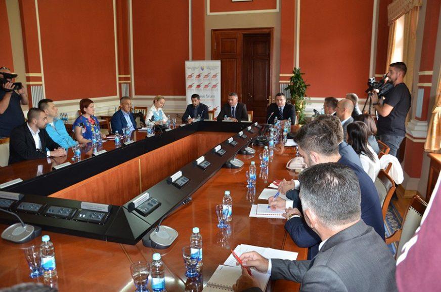 ZAVRŠENA PRIPREMNA FAZA BIZNIS FORUMA Održan okrugli sto o ekonomskom potencijalu Brčko distrikta