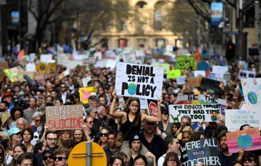 Nove demonstracije klimatskih aktivista u Francuskoj i Britaniji, podrška i iz Beograda