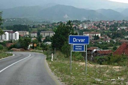 VIŠEČLANIM PORODICAMA PO 500 KM Vlada Srbije pomaže opstanak Srba u Drvaru