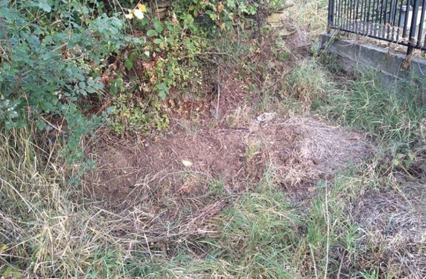 """""""ŠTA AKO JE UNUTRA NEČIJE NESTALO DIJETE"""" Baka pronašla misteriozni grob u dvorištu"""