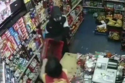 """""""BILA SAM SPREMNA"""" Ispovijest hrabre radnice koju je napao maskirani razbojnik (VIDEO)"""
