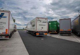 ŠOK NA GRANIČNOM PRELAZU Pretučeno šest srpskih kamiondžija