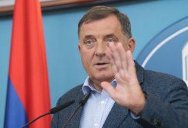 """""""BIĆE ZAPISANO U ISTORIJI"""" Dodik traži da se odbace bonska ovlaštenja visokog predstavnika"""