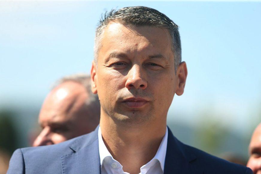DVA KANDIDATA IZ DNS Nešić predložio Božovića za ministra za ljudska prava i izbjeglice BiH