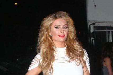 VJERILA SE NA 40. ROĐENDAN Paris Hilton: Ne postoji niko s kim bih radije provela ostatak života (FOTO)