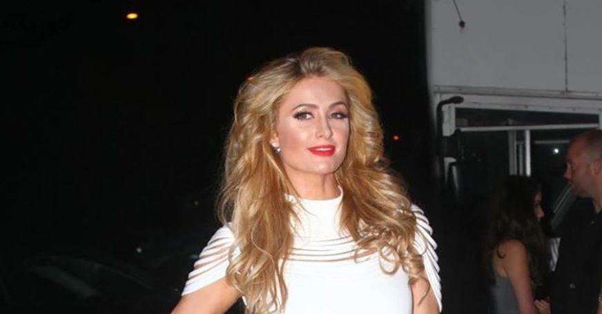 """""""NEDOSTAJEŠ MI I VOLIM TE"""" Paris Hilton slomljena od tuge (VIDEO)"""